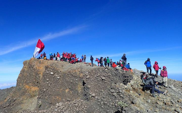 Summit Mt Rinjani